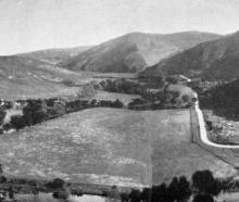 Panoramic view of the lower Silverstream Valley from Leishman's Hill, Whare Flat, looking towards North Taieri. - Otago Witness, 20.6.1917.
