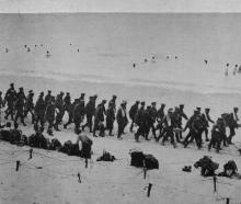 The British Army on the Western Front: Soldiers on a bathing parade at the sea coast. — Otago...