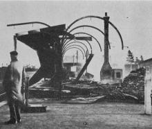 Destruction by fire of the railway station at Mataura on May 11. The stationmaster's residence...