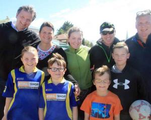Chris Rohrbach, left, Sophie Rohrbach (9), Dagmar Rohrbach, Jakob Rohrbach (6), Hannah Acheson (13), Lee Genet (9), John Acheson, Luke Acheson (11), all of Oamaru, and Chris Fee, of Belfast.