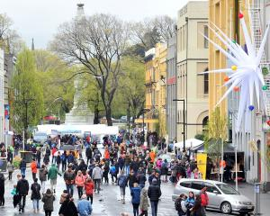 Vogel St was still busy despite the wet weather on Saturday. PHOTOS: CHRISTINE O'CONNOR