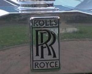 220px-Rolls-Royce_Corniche_-_Spirit_of_Ecstasy.jpg