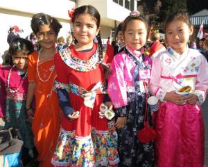 Ani Vikash Khanna (5), Anu Vikash Khanna (7), Isadora Figuravars (7), Jiwoo Song (6) and Su Kang ...