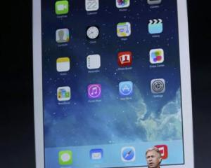 Apple vice-president Philip Schiller introduces the new iPad Air. Photo by Reuters.
