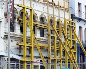 Barrons building, which housed the Dragon Cafe, is to be demolished. Photo by Peter McIntosh.