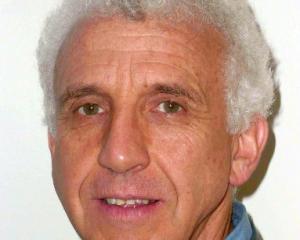 Dr Bruce Warburton