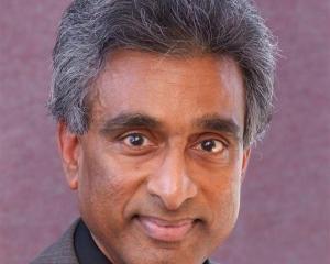 Dr Selva Selvarajah