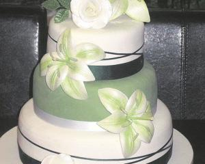 From Cakes By Kim, Clyde. PHOTO SUPPLIED