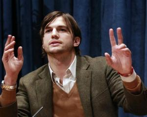 "Ashton Kutcher: ""I can't replace Charlie Sheen.'"
