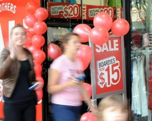 Shoppers on Dunedin's George St look for bargains on Boxing Day. Photo by Peter McIntosh.