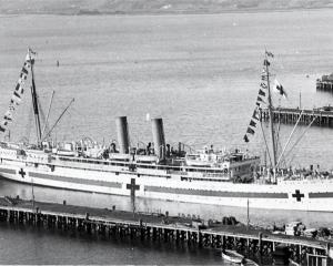 The Maheno at Port Chalmers in 1915. Photo by Ian Farquhar.