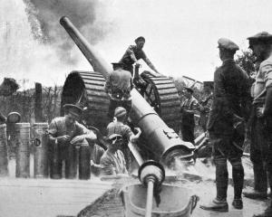 A big gun of the British heavy artillery on the Western Front. — Otago Witness, 23.8.1916.