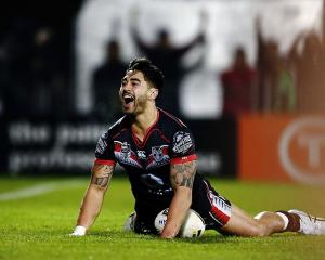 Shaun Johnson scores a try against the Gold Coast Titans at the weekend. Photo: Getty Images