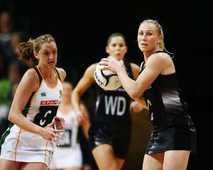 Laura Langman in action for the Silver Ferns. Photo: Getty Images