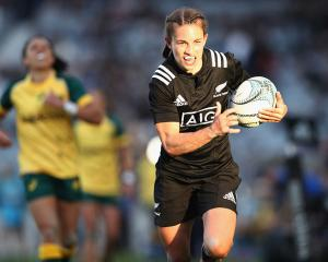 Selica Winiata on the run for New Zealand. Photo: Getty Images