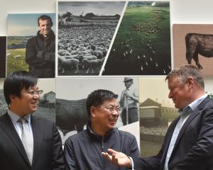 Shanghai Maling's head of investment Henry Gu (left), president Wei Ping Shen and Silver Fern...
