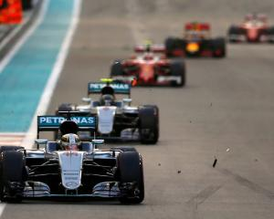 Lewis Hamilton leads the pack during the Abu Dhabi Grand Prix. Photo: Reuters