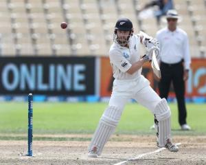 Kane Williamson bats for New Zealand against South Africa. Photo: Getty Images
