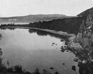 A popular North Island sportsman's resort: Lake Taupo, from Moturere. — Otago Witness, 25.4.1917.