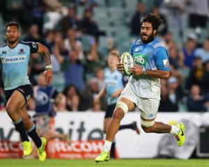 Akira Ioane scores a try for the Blues against the Waratahs. Photo: Getty Images