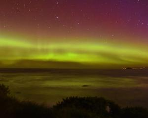 Tonight'a aurora as seen from Blackhead beach. Photo: Craig Baxter.
