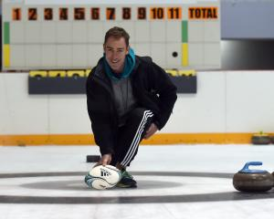 Warren Kearney hopes having fun on the curling rink will help him take part in a rugby experience...