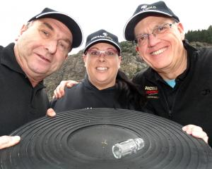 Stu Ide, Megan Ide-Neill and David Gatward-Ferguson will compete at the World Gold Panning...