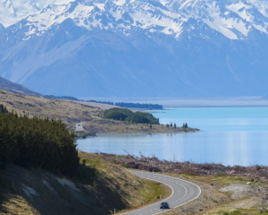 Motorists dialled 111 hoping police would head off a dangerous driver on a South Island highway....