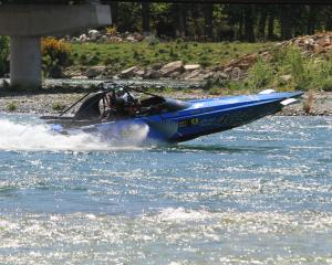 Jason Young heads back into the Waitaki River at Kurow for the second of three legs in the 2017...