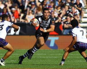 Nelson Asofa-Solomona of New Zealand makes a break during the 2017 Rugby League World Cup match...