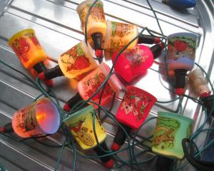 The greatest care has clearly been taken with these gorgeous Christmas lights with nursery-rhyme...