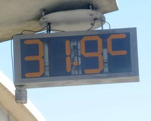 Green Island temperature gauge on Tuesday Afternoon. Photo: Christine O'Connor