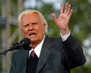 Billy Graham speaking in 2005. Photo Reuters