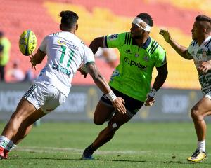 Tevita Nabura of the Highlanders passes the ball during the 2018 Global Tens match between the...
