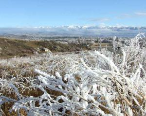 Hoar frost at Poolburn- McTavish's hut to the left.