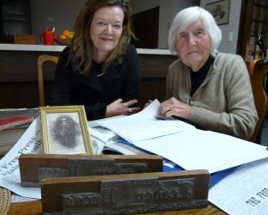 Descendants of 19th-century Balclutha newsman and former Clutha Leader editor David Algie,...