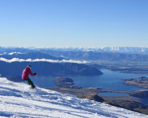 Skiing in the Saddle Basin, Treble Cone on Opening Day 2017