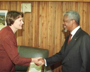 Helen Clark meeting the former UN Secretary-General Kofi Annan in Wellington in 2000. Photo:...