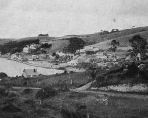 Macandrew's Bay, a popular Otago Harbour weekend resort. — Otago Witness, 14.8.1918.