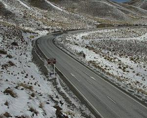 A dusting of snow on the Lindis Pass (State Highway 8) this morning. Photo: NZTA