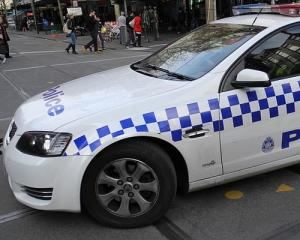 800px-A_police_car_in_Melbourne.jpg