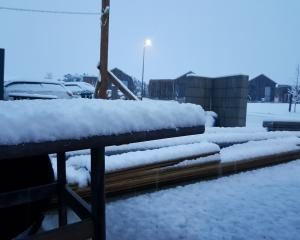 Heavy snow has blanketed Central Otago today. Photo: Supplied