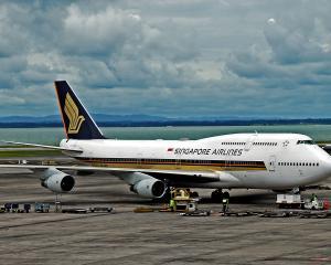 Singapore_Airlines_SIA_747-412.jpg