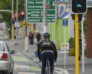 Recent changes to the phasing of the one-way cycle lane lights heading south mean cyclists now...
