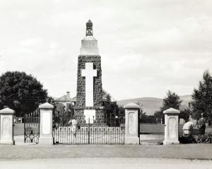 A view of the memorial from Gordon Rd, not long after its completion. Photos: Hocken Collections...