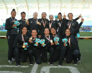 The Black Ferns celebrate after winning gold at the Commonwealth Games. Photo: Getty Images
