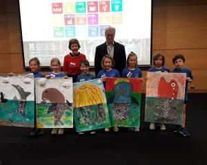 Macandrew Bay School Childrew and artwork at OGHI conference