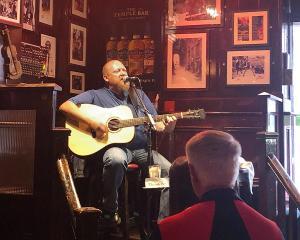 Traditional Irish music in The Temple Bar. Photos: Sarah Vilela da Silva