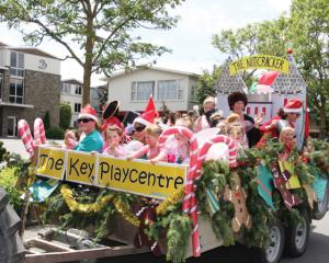 IMG 3618: Winning float, The Key Playcentre for the fifth year in sucession  in the Te Anau Santa...