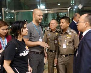 Rahaf Mohammed al-Qunun with Thai immigration authorities at a hotel inside Suvarnabhumi Airport...